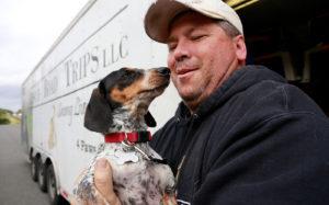 Greg Mahle, omul care a transportat câinii fără stăpân din sud către nordul Statelor Unite ale Americii